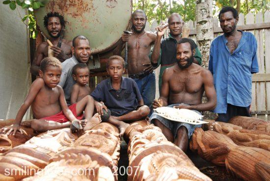 papua_new_guinea_smilingflyer_13562